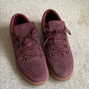 Timberland maroon shoes